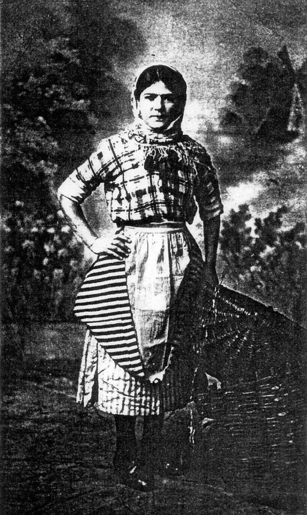 Newhaven Fisherwoman 1915