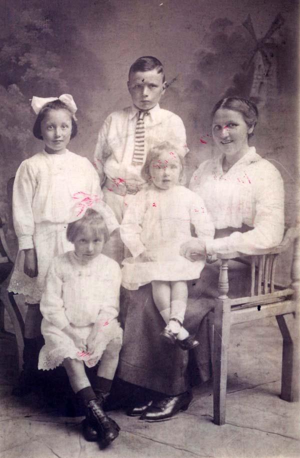 Studio Portrait Family Group c.1918