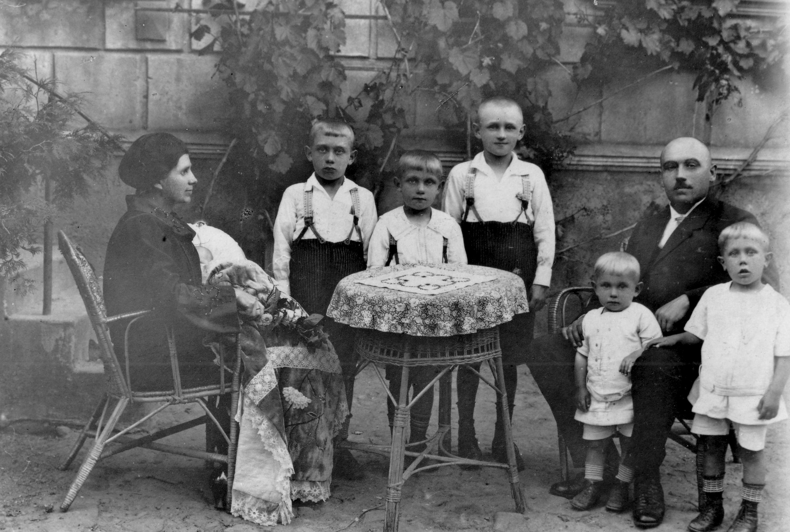 Polish Family Outdoor Sitting Round Table 1923