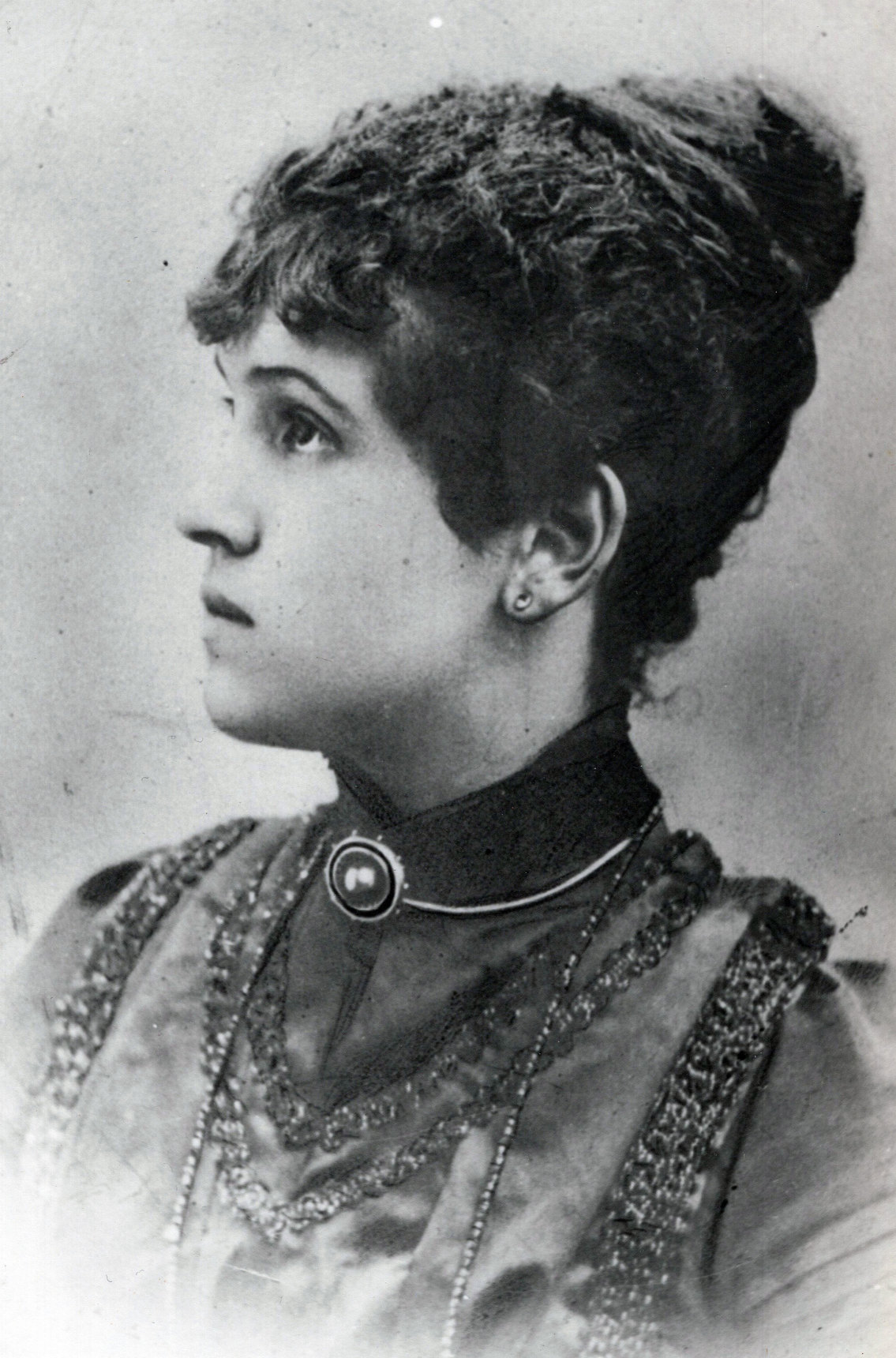 Studio Portrait Young Woman c.1900