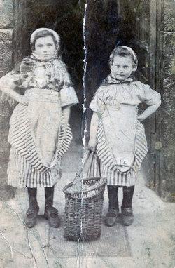 Newhaven Fishergirls c.1910