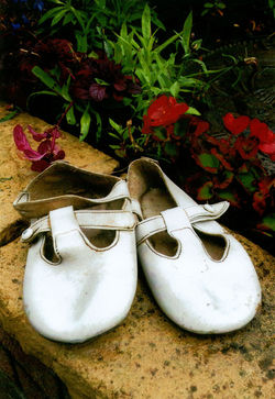 I bought Gillian & Paul's white shoes from Binn's at the West End.