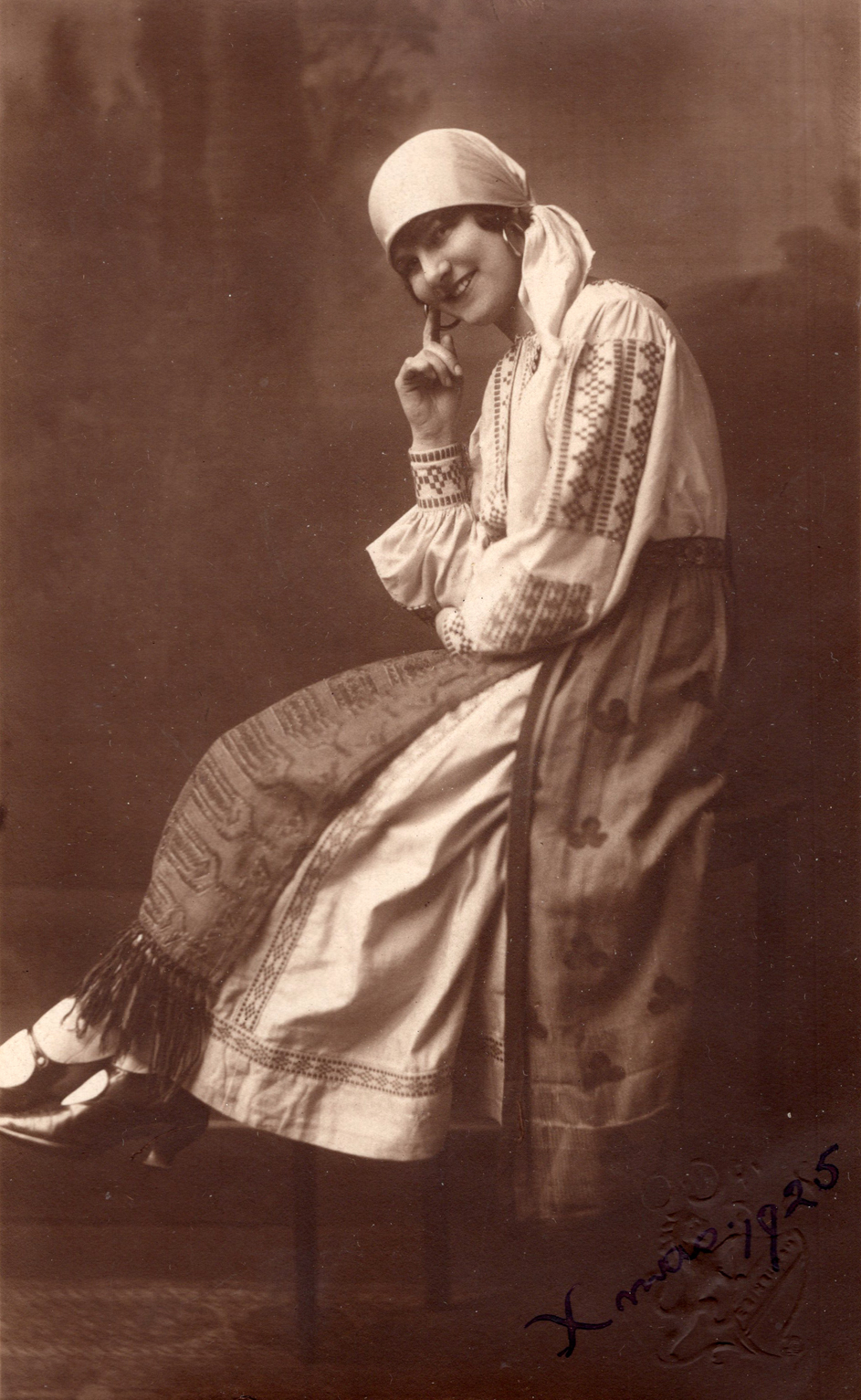 Studio Portrait Member Of The Leith Amateur Opera Company In Gypsy Costume 1925