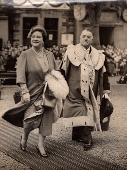 Queen Mother With The Provost Of Kirkwall 1940s