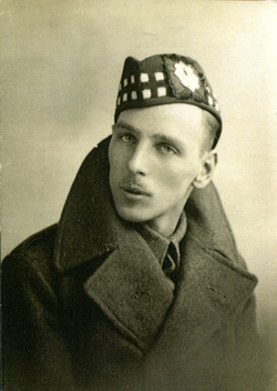 Studio Portrait Soldier Of The Royal Scots 'Dandy Ninth' 1938