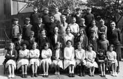 Yardheads School Class Portrait c.1931