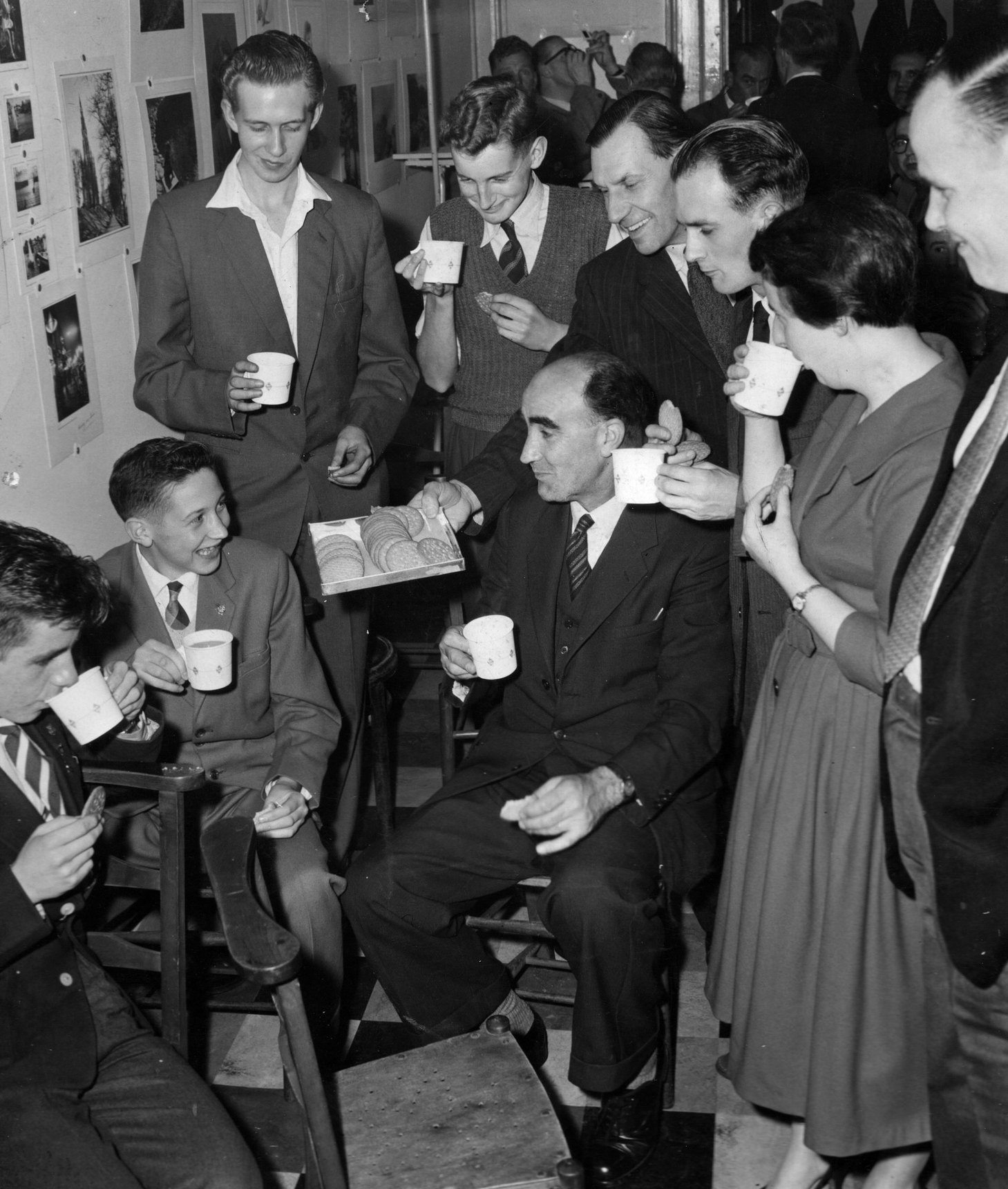 Leith Camera Club Members Enjoying A Cup Of Tea And Biscuit, 6th October, 1959