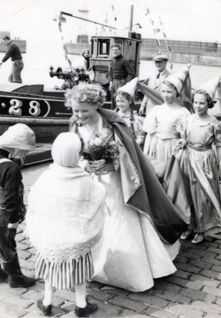 "Newhaven Gala Queen And Entourage Arrive At Harbour After Ceremonial Sail In The Forth On ""The Gratitude"", June 1955"