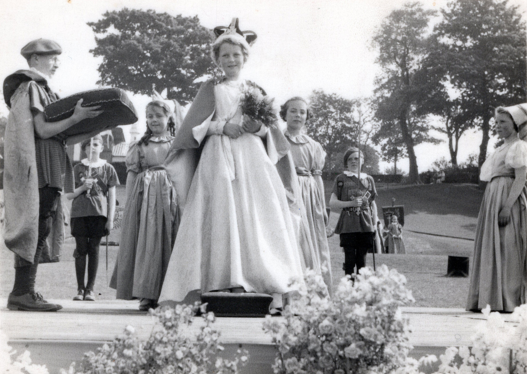 Crowning Of The Newhaven Gala Queen At Starbank Park, June 1955