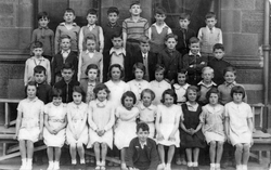 St Mary's Star Of The Sea Primary School Class Portrait 1935