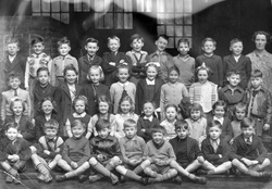 Dr Bell's Primary School Class Portrait 1956