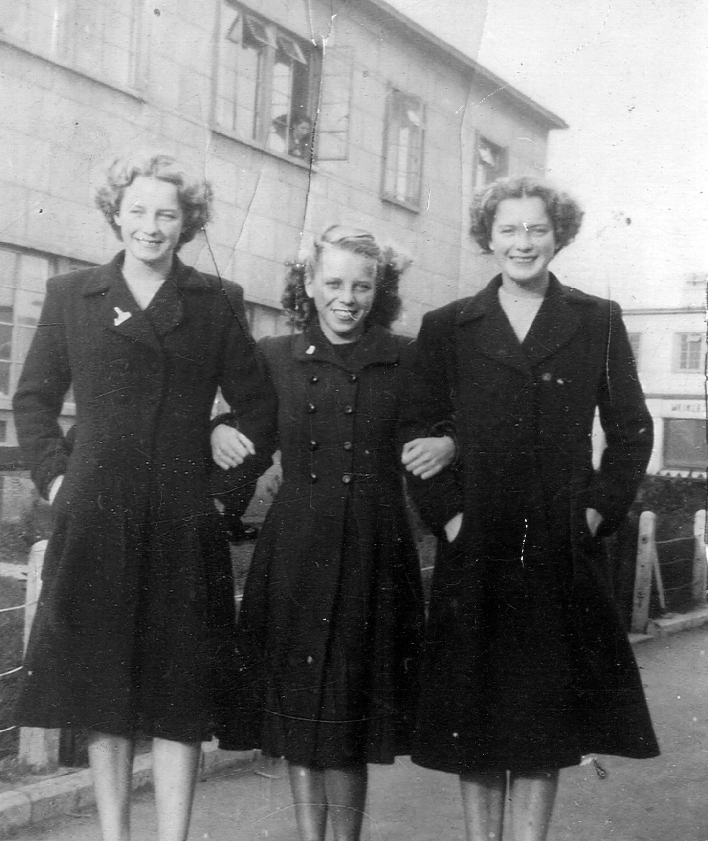 Three Sisters Standing Arm In Arm 1947