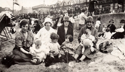 Women And Children At Portobello Beach 1927