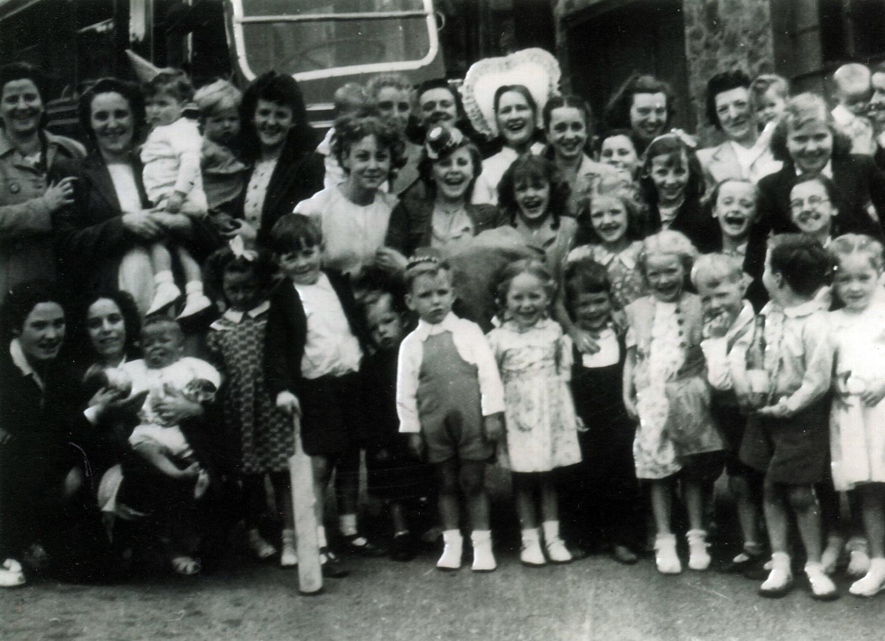 Leith Dockers Children Trip c.1948