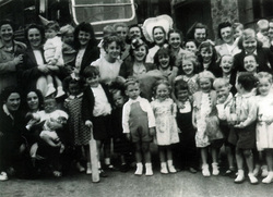 Leith Dockers Children Trip c.1948