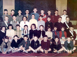 Bonnington Primary School Class Portrait 1950s