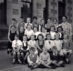 Bonnington Road Primary School Class Portrait 1953