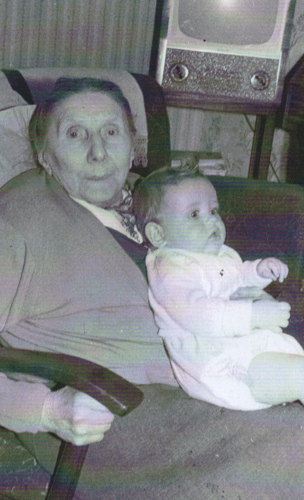 Margaret Lee - Granny Lee (Elizabeth) lived at No 42 Well Court.