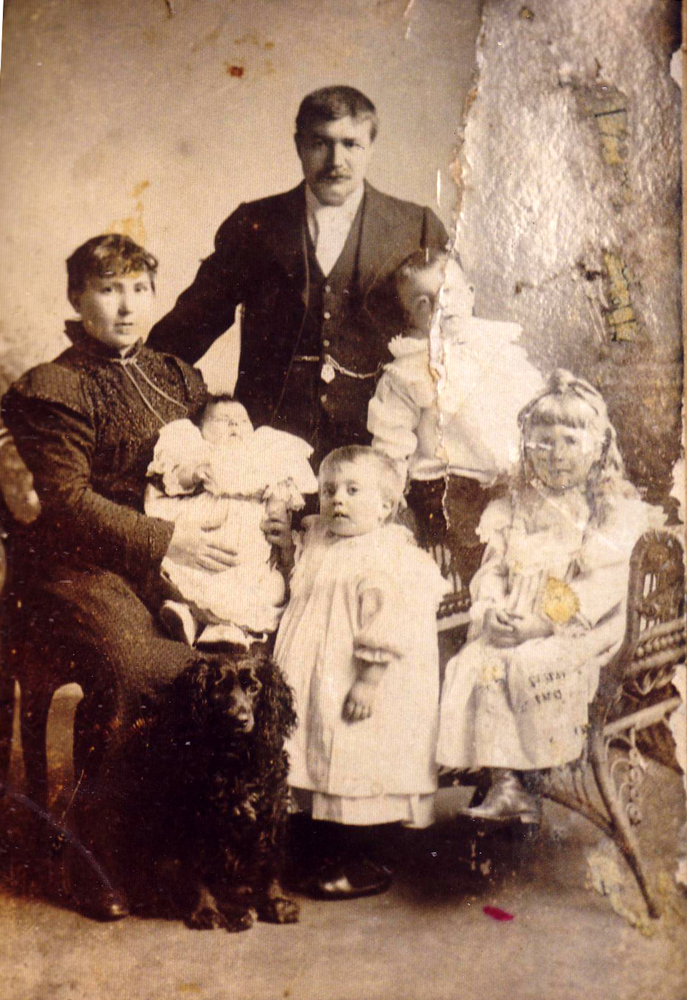 Studio Portrait Late Victorian Family c.1900