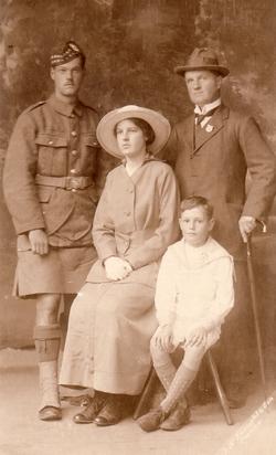 Studio Portrait Family c.1916