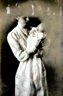Edwardian Mother And Baby 1910s