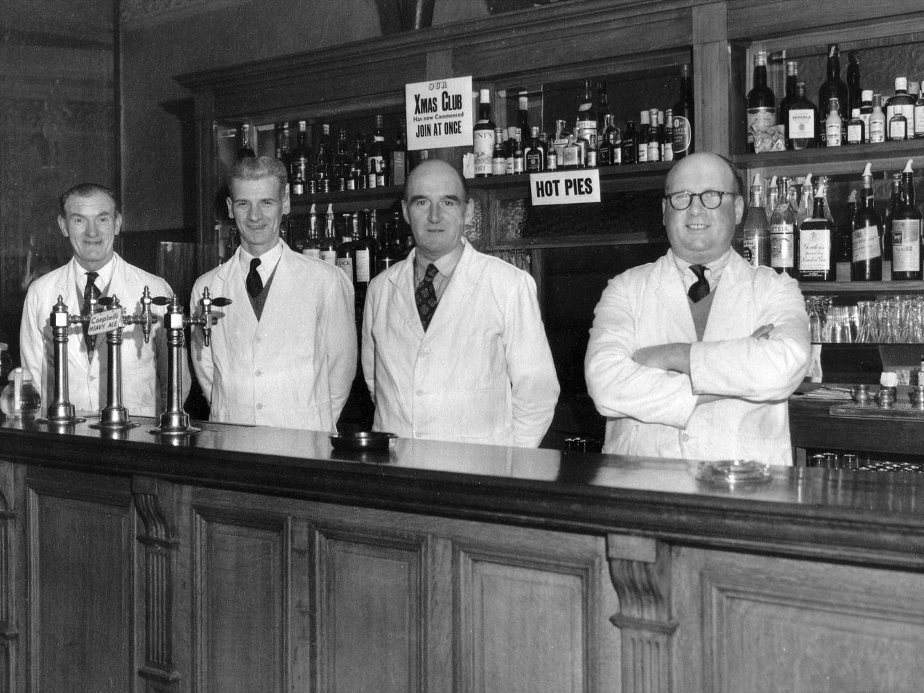 Barstaff Of The Horseshoe Bar In Cockburn Street 1950s