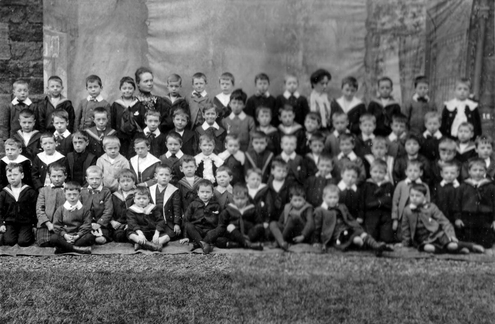 Unidentified School Class Portrait c.1900
