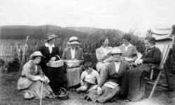 Edwardian Ladies Enjoying Picnic In The Garden 1910s