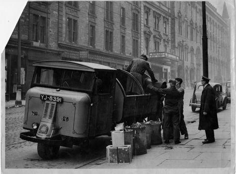 Pig bin lorry