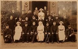 St Leonard's Hall Red Cross Hospital, Nurses and Soldiers WW1