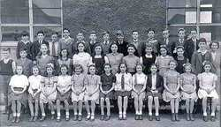 Murrayburn Primary School -Miss Grant's Class of 1944.