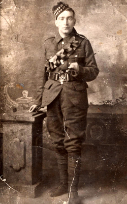 Studio Portrait Soldier Of The Royal Scots c.1915