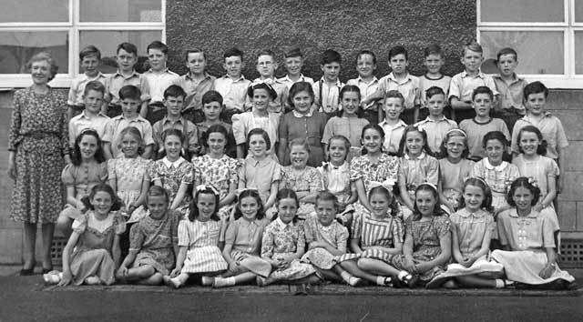 Murrayburn Primary School - Mrs Main's Class of 1950