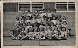 Murrayburn Primary School - Miss Cook's Class P2 (1950)